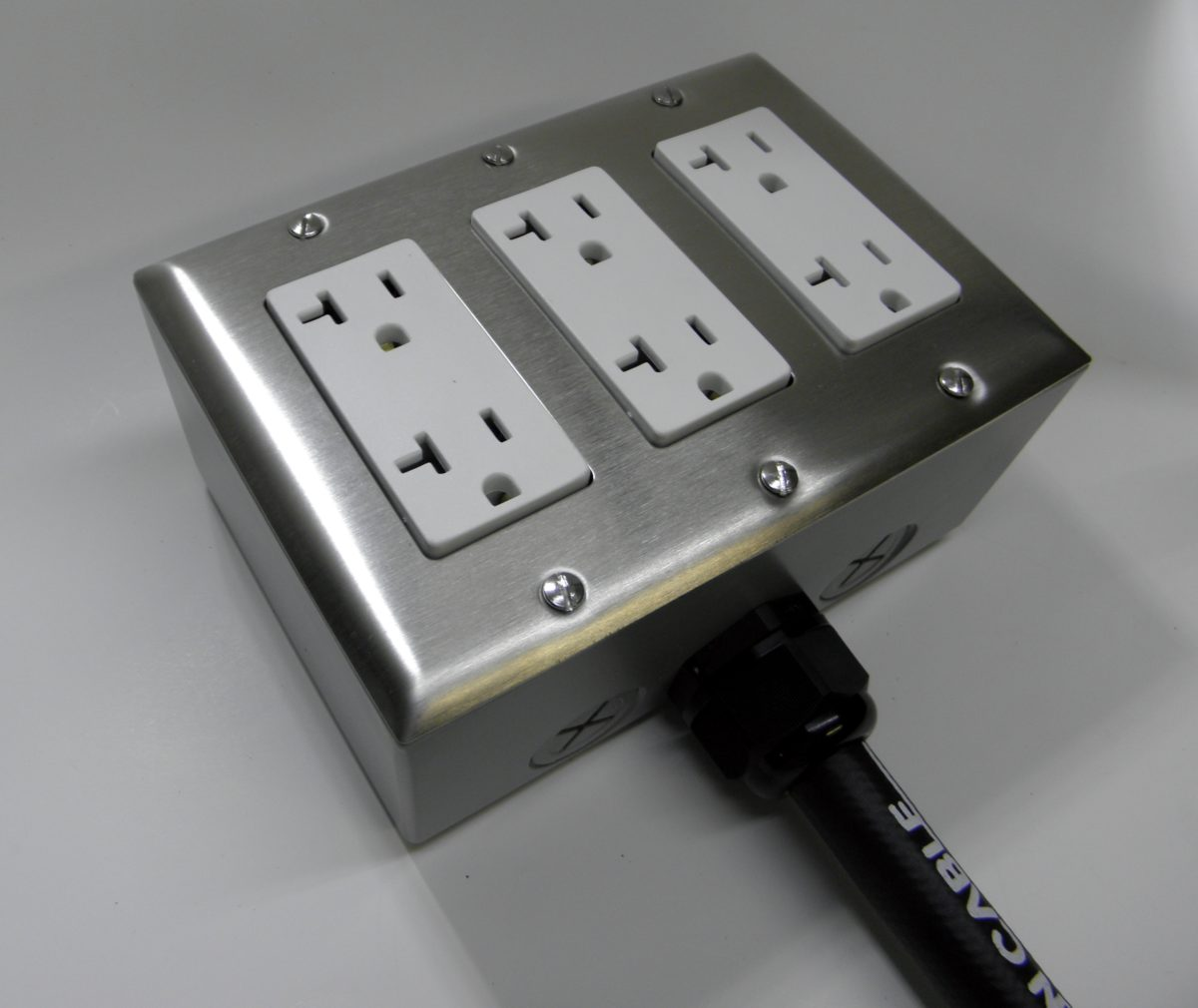 Gold Series Power Box (6 Outlet Receptacle Strip) - Cullen Cable